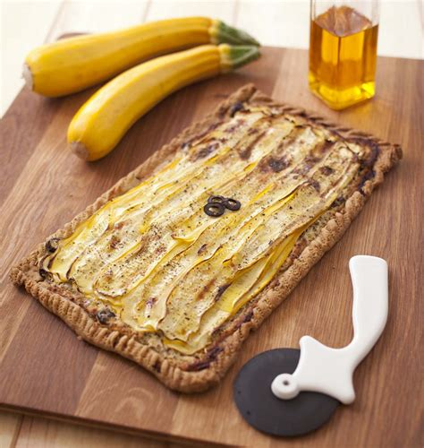 cuisiner courgette jaune tarte courgette jaune chèvre moutarde les