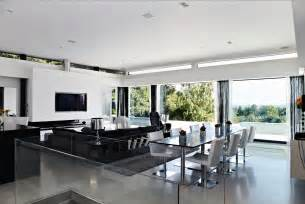 White Interior Homes Black And White Interior Design Interior Design Ideas