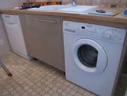 lave linge dans cuisine comment placer un lave vaisselle et un lave linge dans une