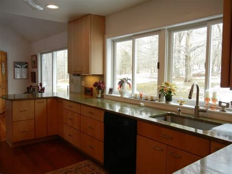 15 Surprisingly Kitchens With Lots Of Windows   House