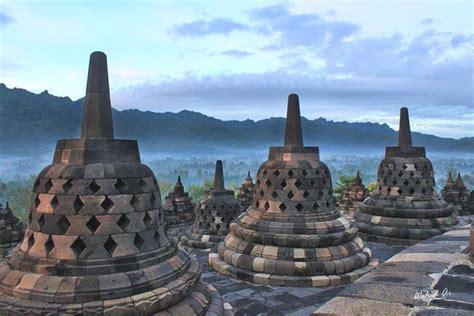 popular landmark icons  indonesia