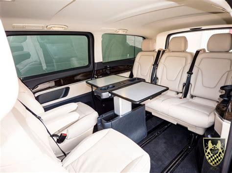mini van oder kleinbus vom chauffeur und limousinenservice