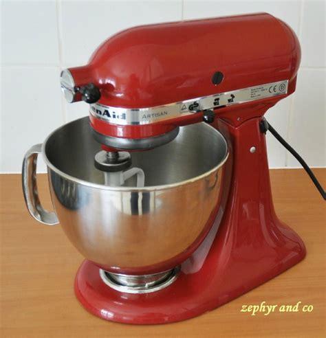 robot qui fait la cuisine le robot de cuisine qui fait tout atlub