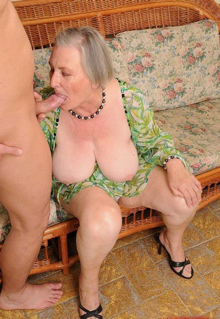 free granny porn old granny with big juggs