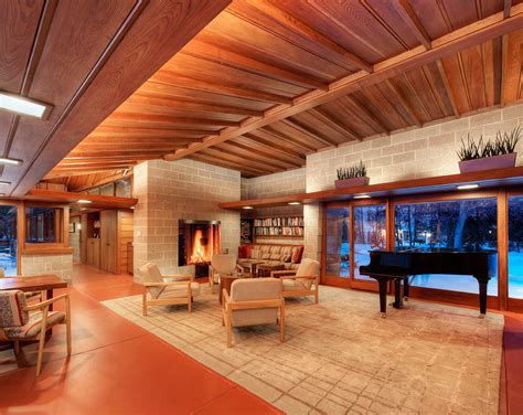 Country Inspired Wisconsin Home by An Architect Breathes New Into A Frank Lloyd Wright