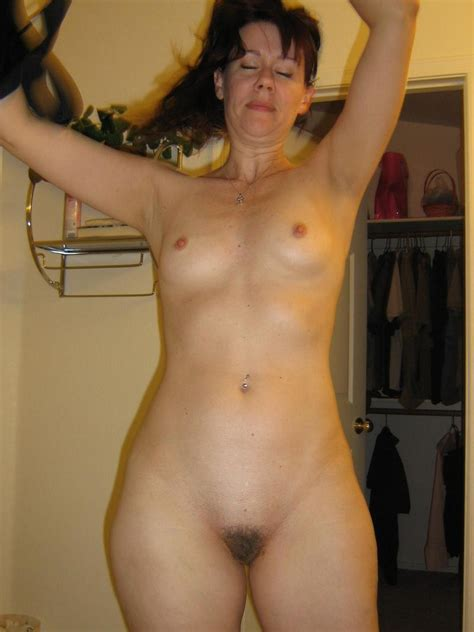 Candid Pictures Of Nude Mature Ladies 28 Photos The