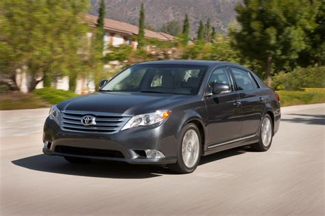 toyota avalon limited review