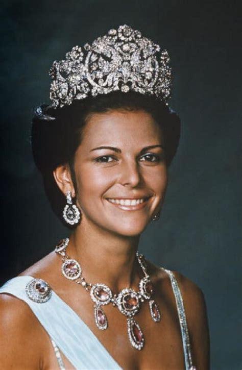 Queen Silvia of Sweden on October 08, 1976. | Royal tiaras ...
