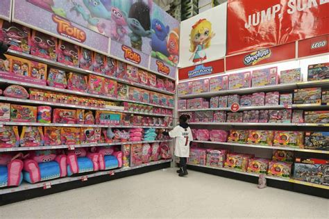 Toys R Us Store Closing