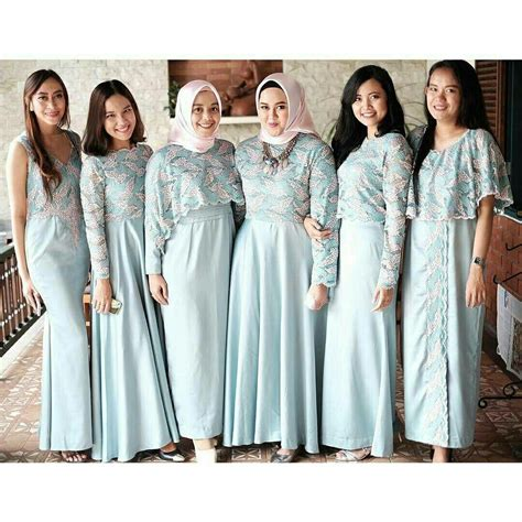 pin oleh nurul qolbiyah  bridesmaid seragam pakaian