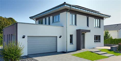 Häuser Mit Satteldach Und Garage by Fertighaus Satteldach Lanos 2 Mit Panoramaverglasung
