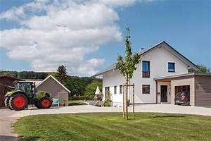 Einfamilienhaus Mit Garage : einfamilienhaus mit satteldach schw rerhaus ~ Eleganceandgraceweddings.com Haus und Dekorationen