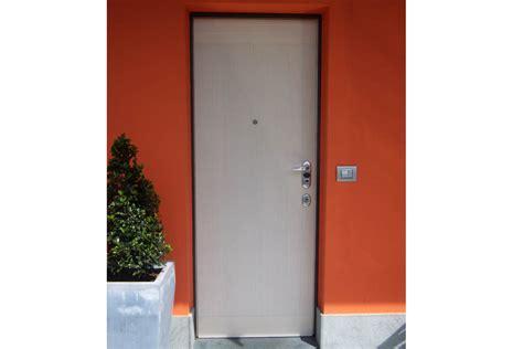 Porta Blindata Alias by Falegnameria Orobica Realizzazione Arredamenti