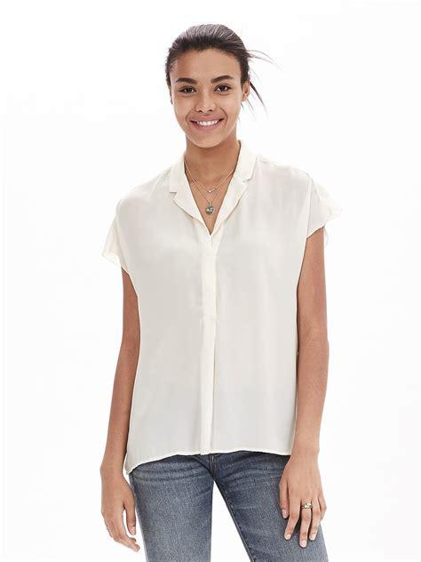 banana republic blouses banana republic crepe sleeve blouse in white cocoon