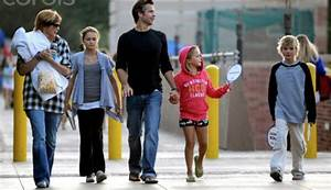 Alexis Knief Children: Alexis shares 3 children with her ...