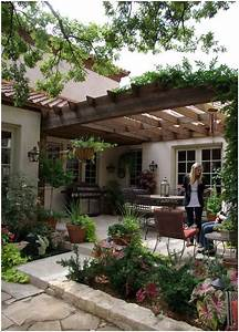 25+ Best Ideas about Front Courtyard on Pinterest