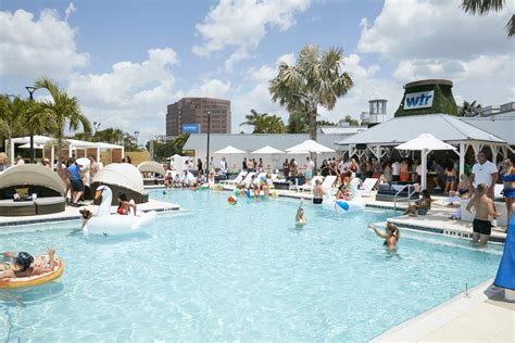 WTR Pool and Grille brings 'fun dining' pool party scene ...