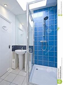 stunning image douche moderne ideas seiunkelus With porte de douche coulissante avec etagere salle de bain en teck