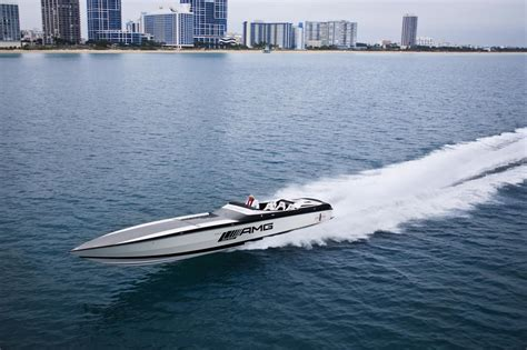 Cigarette Boat Ocean by Mercedes Amg And Cigarette Racing Boats To Team Up Again