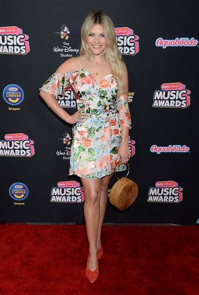 Witney Carson Disney Awards Radio Angeles Los