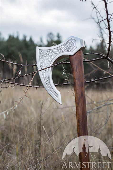 decorative weapon ragnvaldur  traveller fantasy