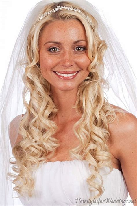 Wedding Long Curly Down Hairstyles With Veil Makeup