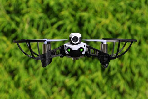 parrot mambo fpv le test helicomicrocom