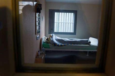 chambre prison les u h s a des hôpitaux prisons pour des soins