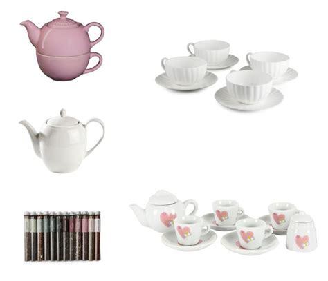 Kitchen Tea Gift Ideas  Pink Book  Your Bridal Bestie