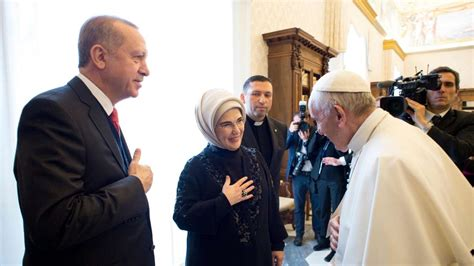 6' italy with the early lions share of the ball. Turkish President Recep Tayyip Erdogan meets Pope Francis