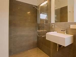 Moderne Badezimmer Mit Dusche : ferienhaus zweienhaus 02 ostsee fischland dar zingst wieck firma zimmervermittlung ~ Sanjose-hotels-ca.com Haus und Dekorationen