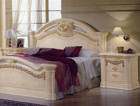 Design Schlafzimmer Kommode Bett Schrank Italien Klassik Hochglanz Schick Luxus