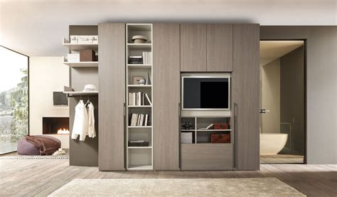 armadio con tv camere letti imbottiti in legno zona notte armadi