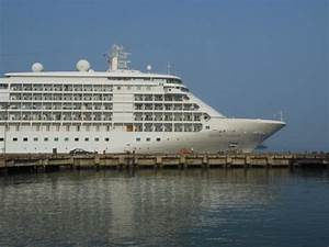 Cruise ship - Picture of Hue Private Excursions, Hue ...