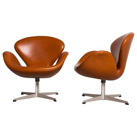 early arne jacobsen swan chairs for sale at 1stdibs