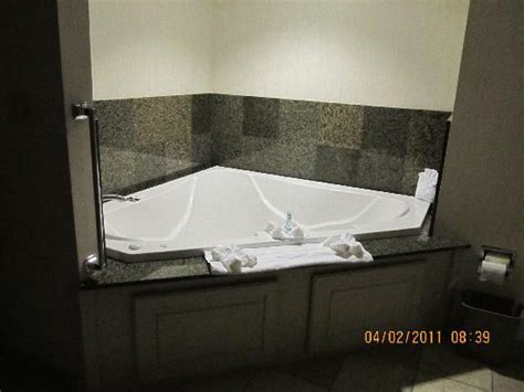 Tubs Nashville by Whirlpool Tub In Room Awesome Picture Of Hton Inn