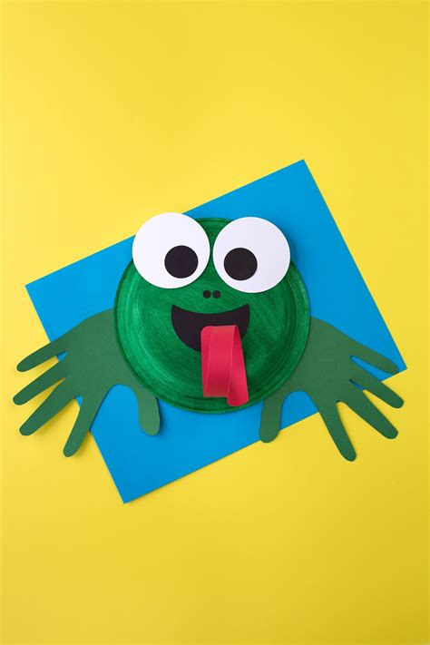 how to make a paper plate frog craft 763 | Paper Plate Frog Craft 3