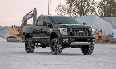 nissan titan xd lifted rough country 6 quot lift for the 2016 nissan titan xd