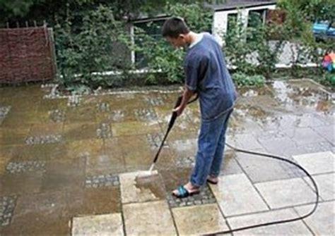 moos entfernen terrasse moos auf der terrasse entfernen der beste tipp holz und steinterrassen