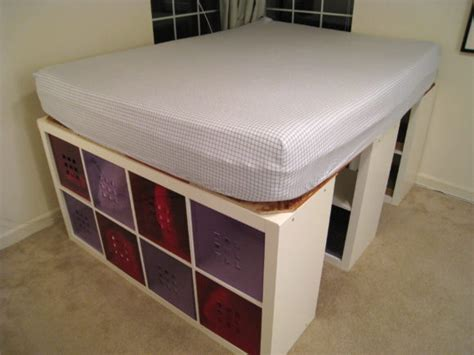 Furniture. Twin Kids Bed Design With Storage Drawers