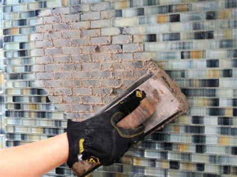 Installing Ceramic Wall Tile Kitchen Backsplash : How To Install A Tile Backsplash