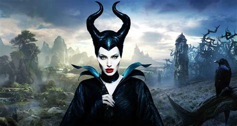 maleficent  moving   pirates   director