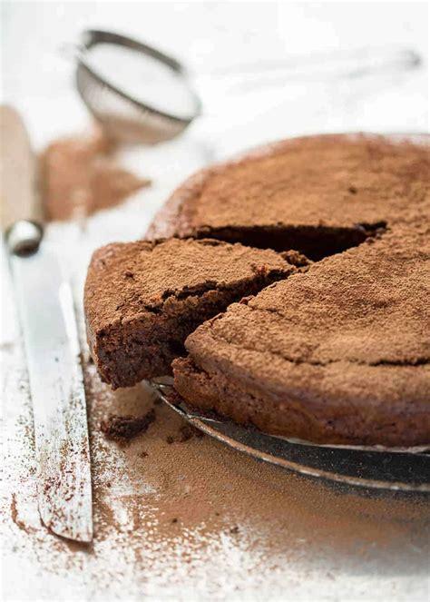 flourless chocolate cake recipetin eats