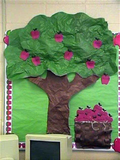 bulletin board door wall displays   virtual vine