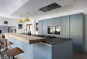 Cuisine bleu gris canard ou bleu marine code couleur et for Deco cuisine avec chaise grise moderne