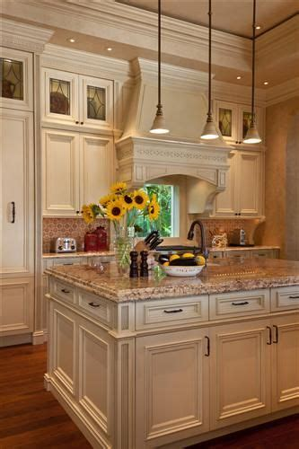 Best 20+ Cream Kitchen Cabinets Ideas On Pinterest
