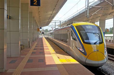 book  train   malaysia baolau