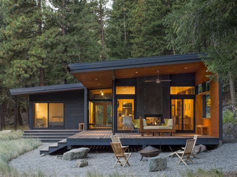 una cabana de diseno en la montana