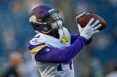 minnesota vikings  man offensive roster projection pre