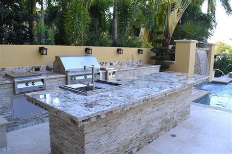 Outdoor Kitchen Countertops-stone And Tile Options